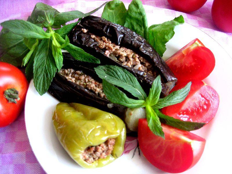 Азербайджанская летняя долма похожа на эчмиадзинскую